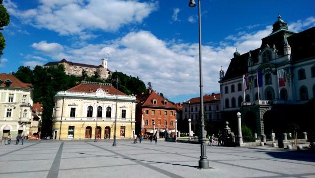 Kongresni_trg,_Ljubljana_(14126162610).jpg